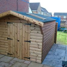 Garden sheds and playhouses in Hull